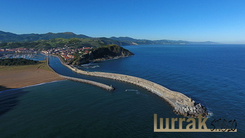 Urola´s river Mouth, Zumaia, Basque Country, Spain